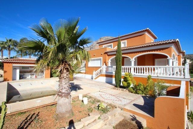 Вилла в Хавее, Испания, 500 м2 - фото 1