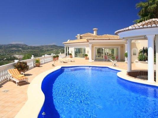Вилла в Морайре, Испания, 584 м2 - фото 1
