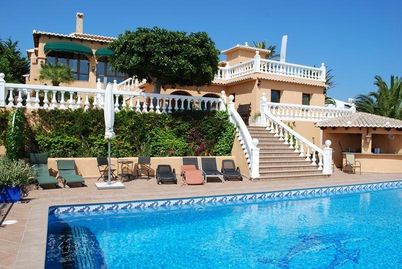 Вилла в Морайре, Испания, 366 м2 - фото 1