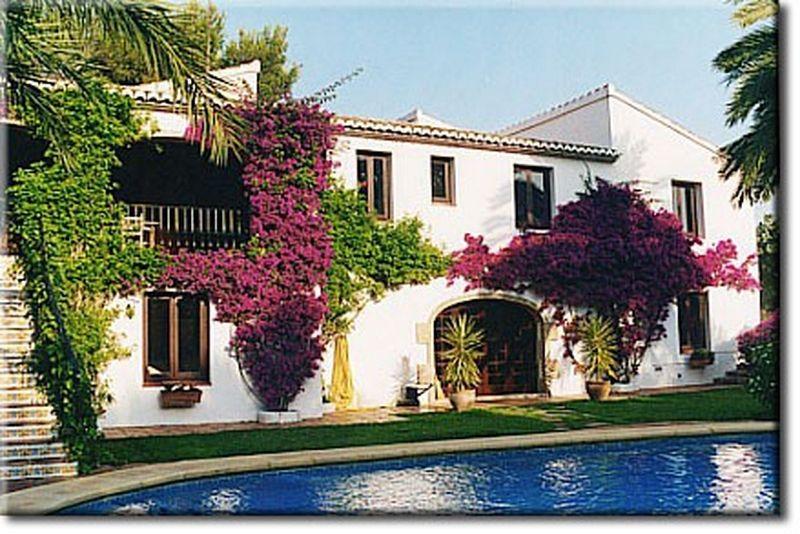 Вилла в Хавее, Испания, 406 м2 - фото 1