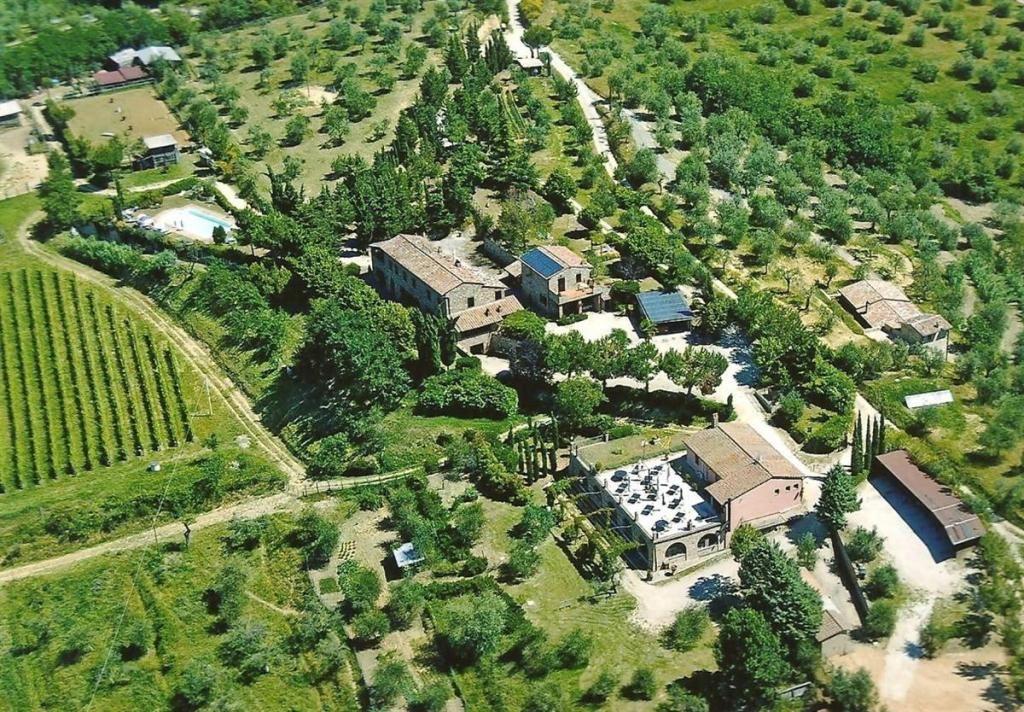 Доходный дом в Умбрии, Италия, 1117 м2 - фото 1