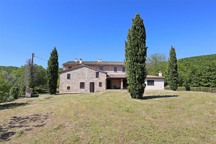 Поместье в Умбрии, Италия, 1476642 м2 - фото 1