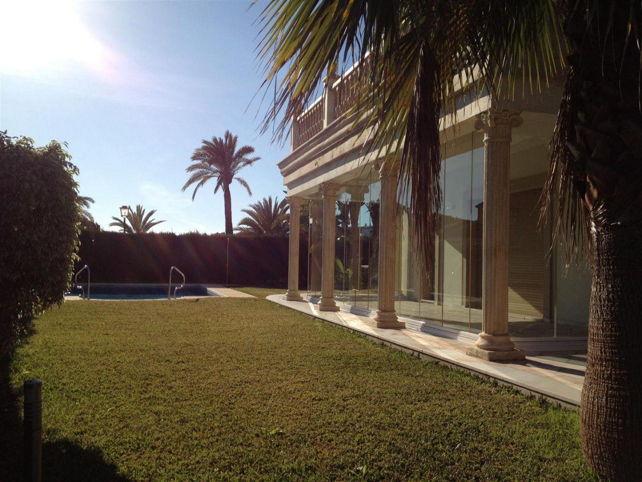 Вилла в Марбелье, Испания, 1000 м2 - фото 1