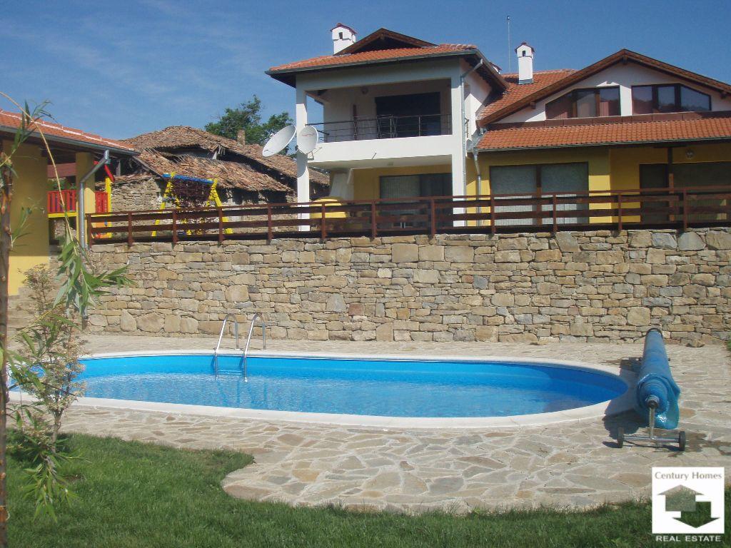 Дом в Велико Тырново, Болгария, 330 м2 - фото 1