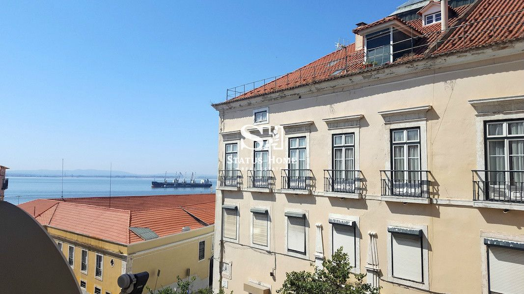 Апартаменты в Лиссабоне, Португалия, 60 м2 - фото 1