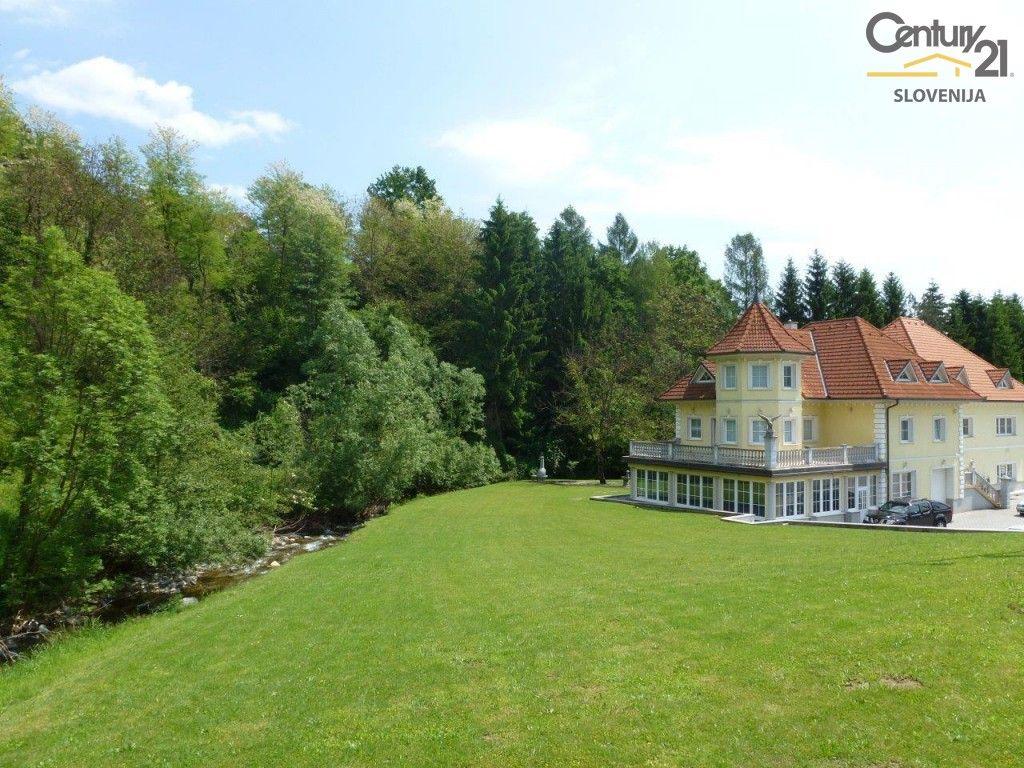 Коммерческая недвижимость в Мариборе, Словения, 900 м2 - фото 1
