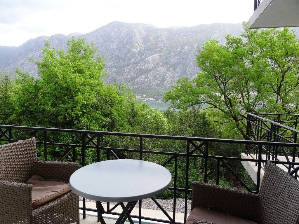 Квартира в Прчани, Черногория, 56 м2 - фото 1