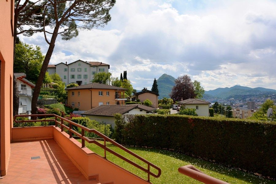 Дом в Лугано, Италия - фото 1