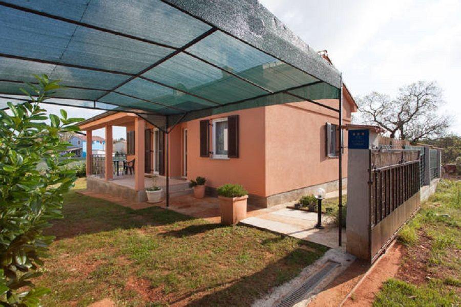 Дом в Пуле, Хорватия, 345 м2 - фото 1