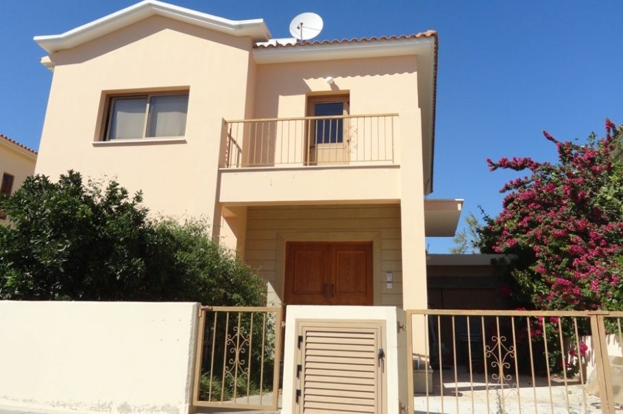 Вилла в Ларнаке, Кипр, 370 м2 - фото 1
