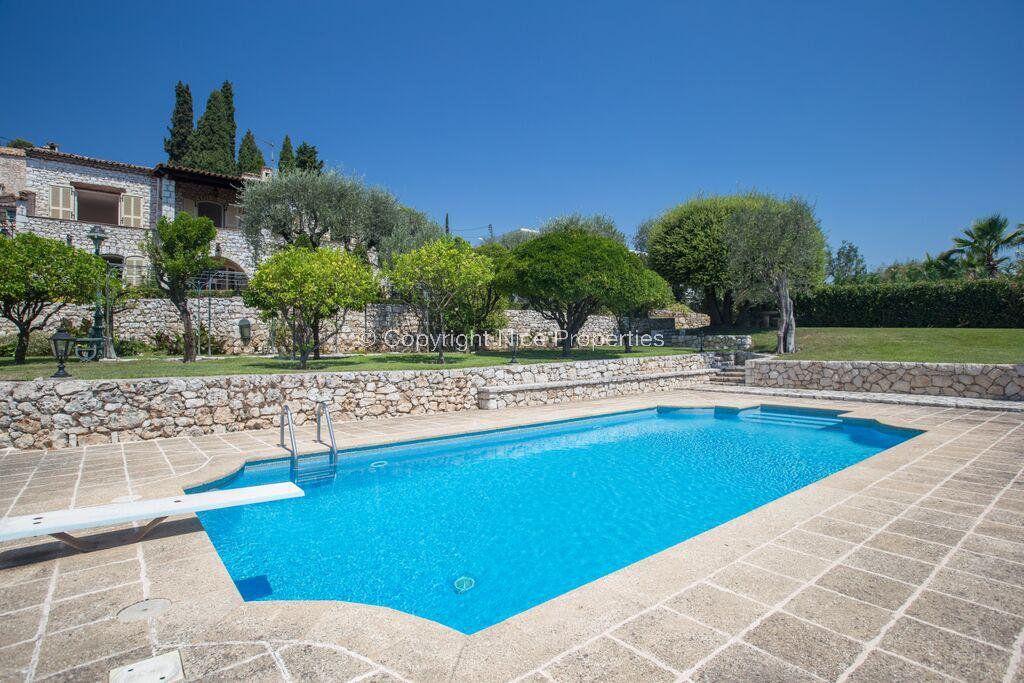 Дом в Ницце, Франция, 220 м2 - фото 1