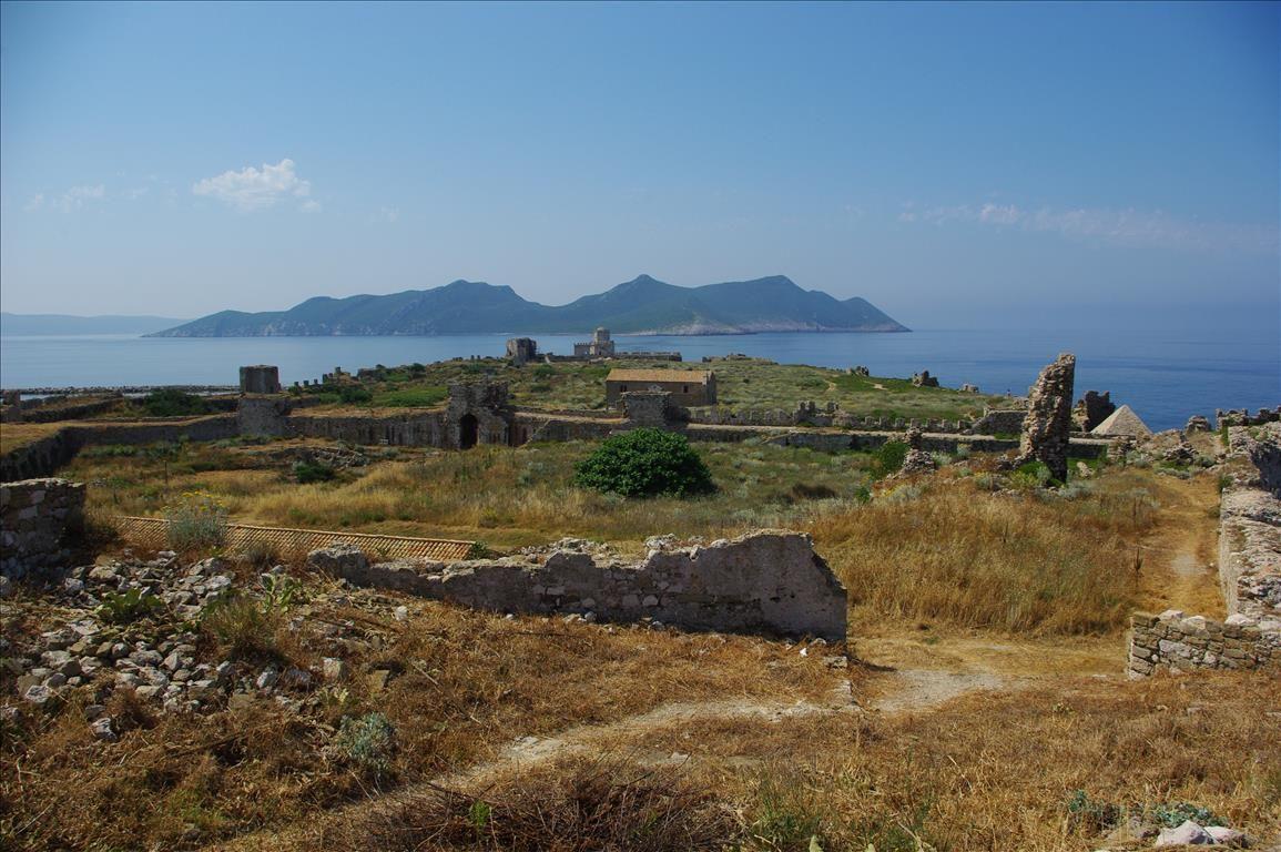 Земля в Мессини, Греция, 2400 м2 - фото 1