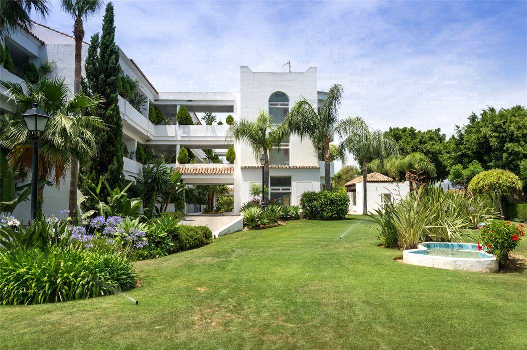 Апартаменты в Малаге, Испания, 239 м2 - фото 1
