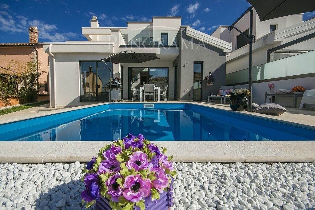 Дом в Порече, Хорватия, 298 м2 - фото 1