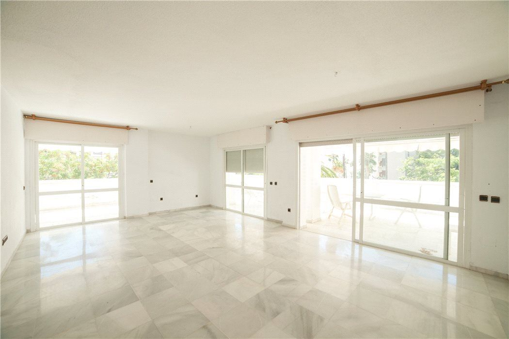 Апартаменты в Малаге, Испания, 344 м2 - фото 1