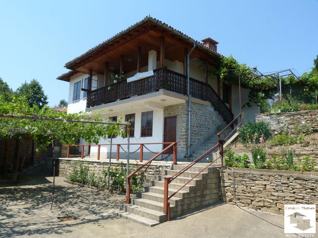 Дом в Велико Тырново, Болгария, 810 м2 - фото 1