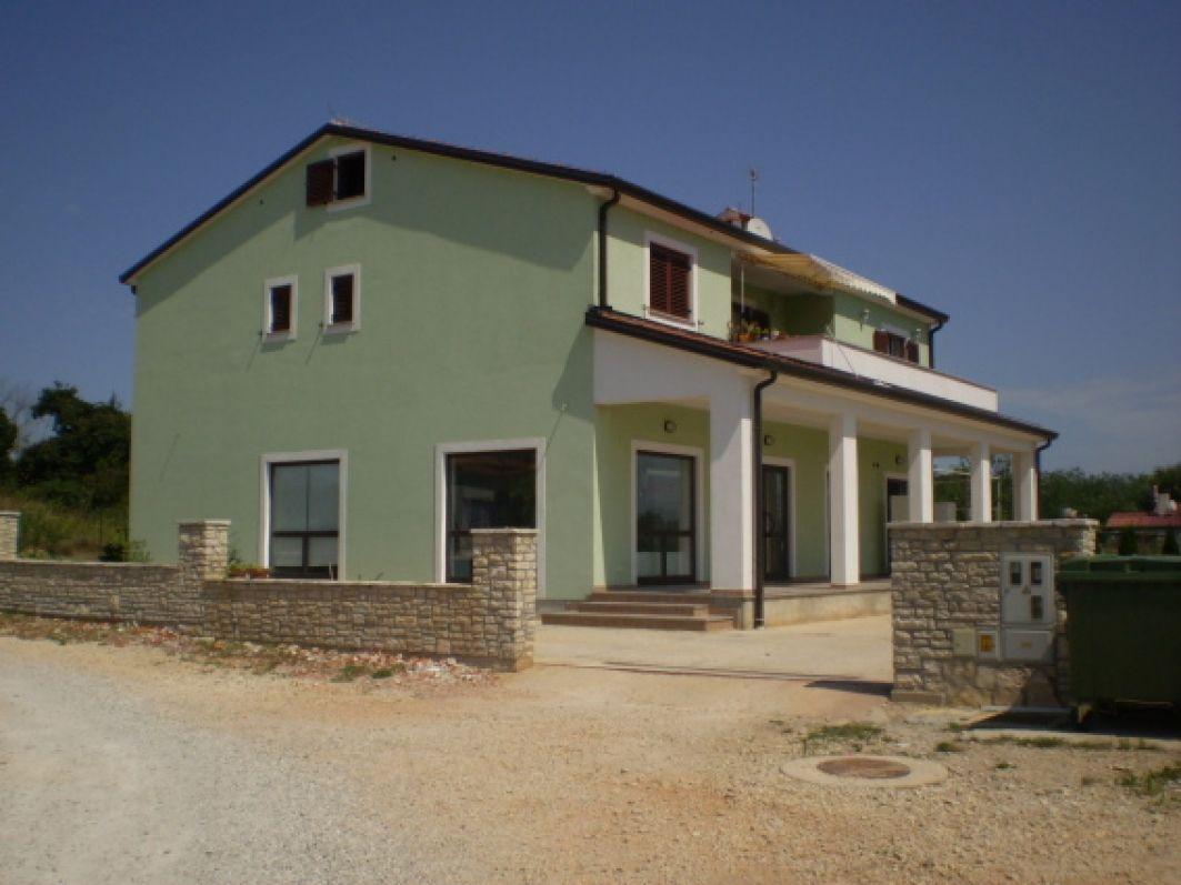 Дом в Умаге, Хорватия, 870 м2 - фото 1