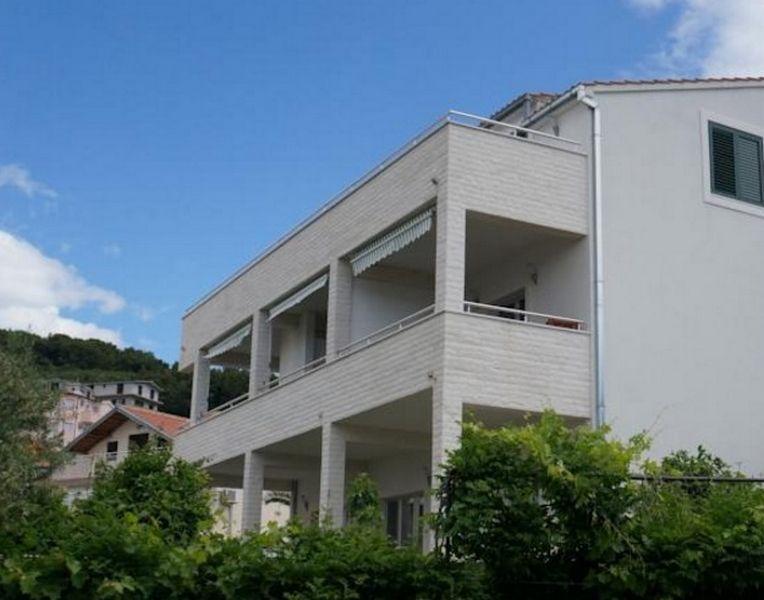 Отель, гостиница на Чиово, Хорватия, 400 м2 - фото 1