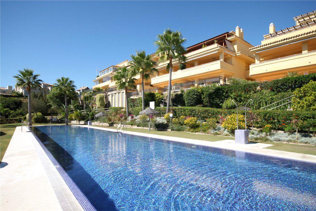 Апартаменты в Марбелье, Испания, 257 м2 - фото 1
