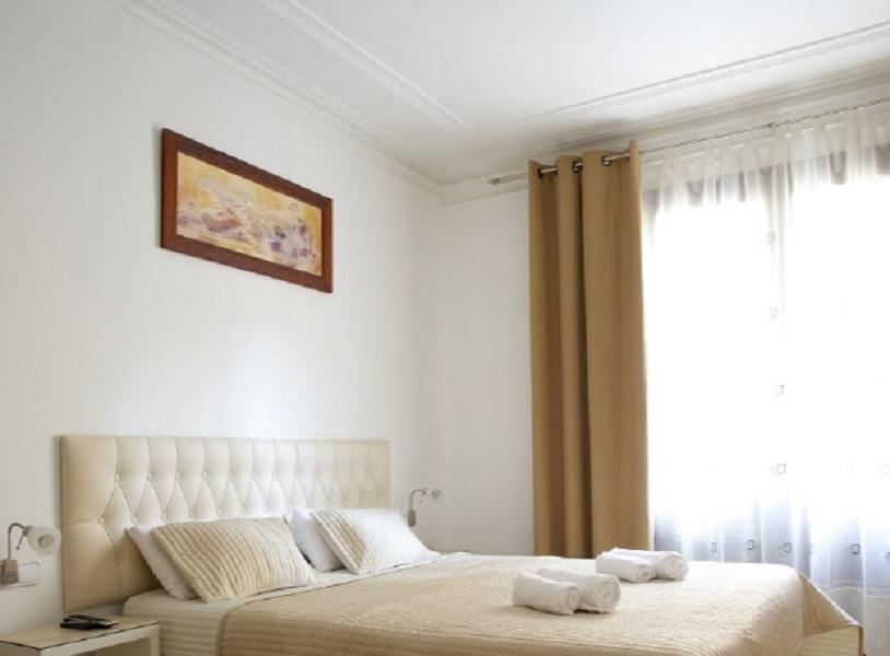 Отель, гостиница в Барселоне, Испания, 220 м2 - фото 1