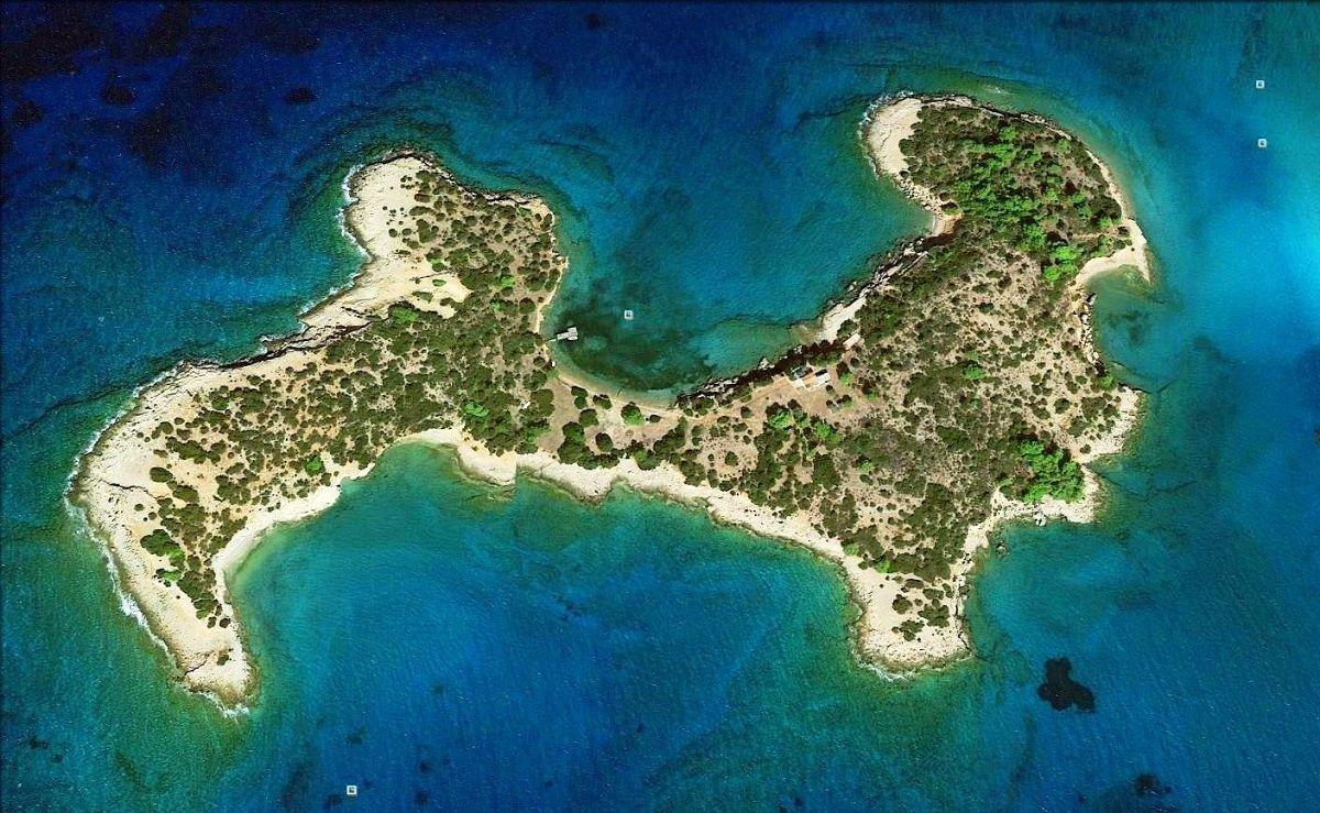 Остров в Афинах, Греция, 78000 м2 - фото 1