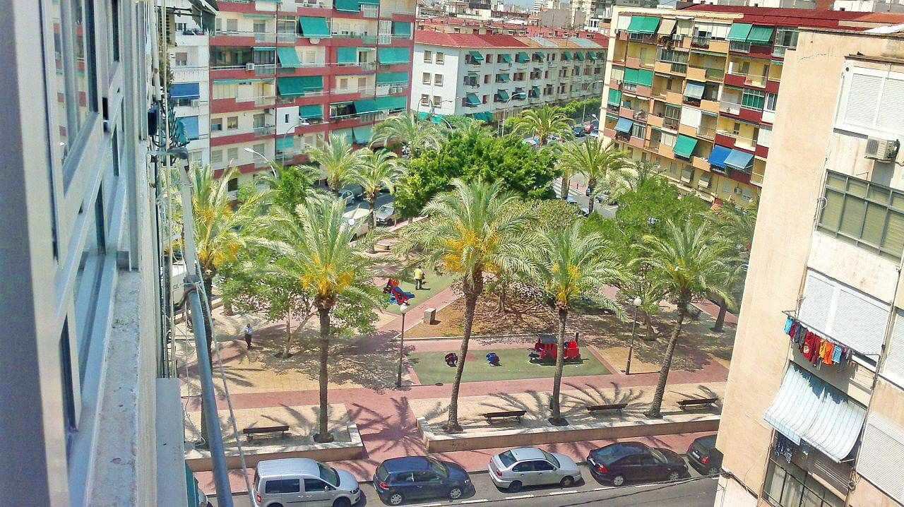 Апартаменты в Аликанте, Испания, 65 м2 - фото 1