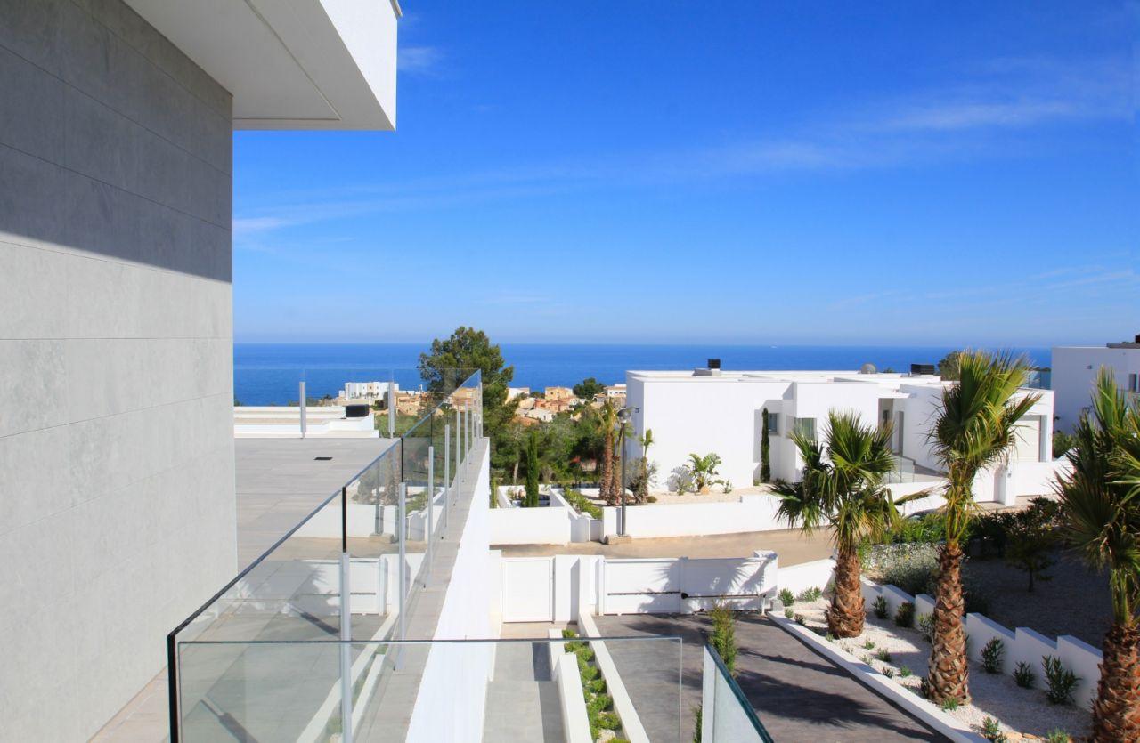 Вилла в Кумбре дель Соль, Испания, 358 м2 - фото 1