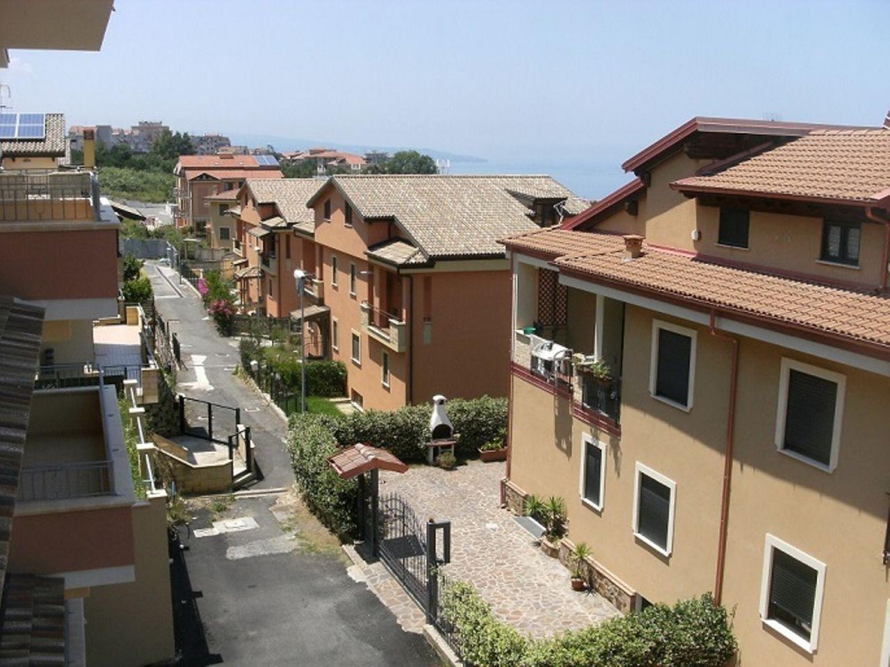 Апартаменты в Пиццо, Италия, 100 м2 - фото 1