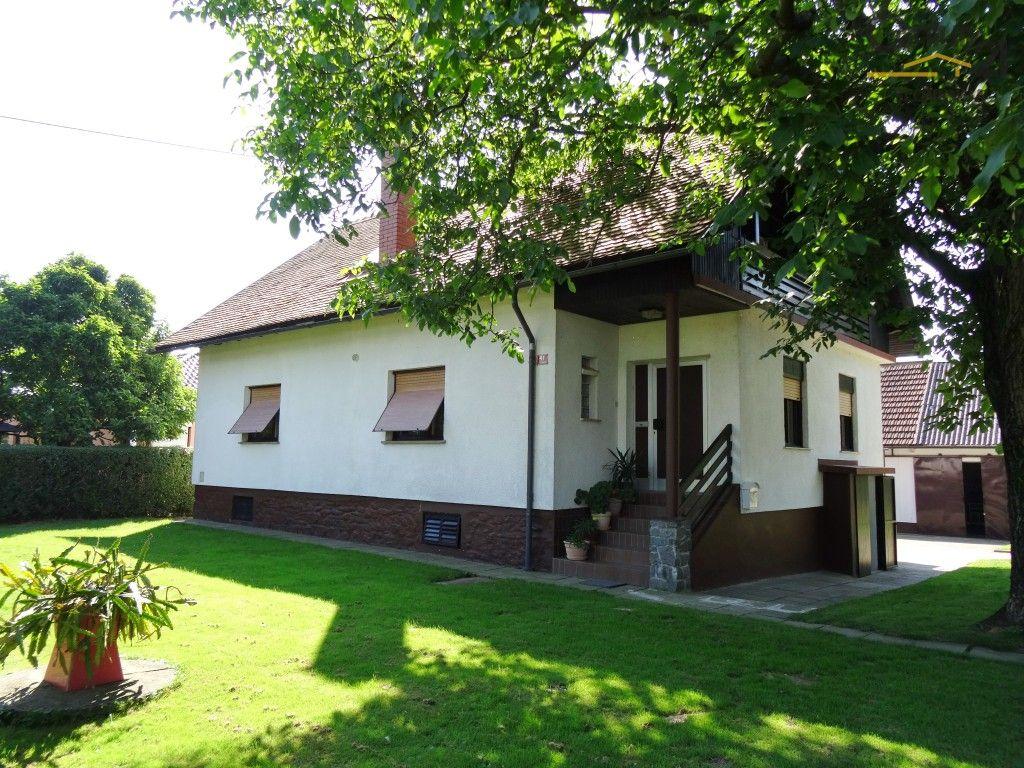 Дом в Мариборе, Словения, 1296 м2 - фото 1