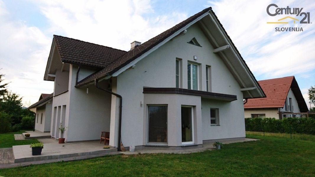 Дом в Мариборе, Словения, 1079 м2 - фото 12