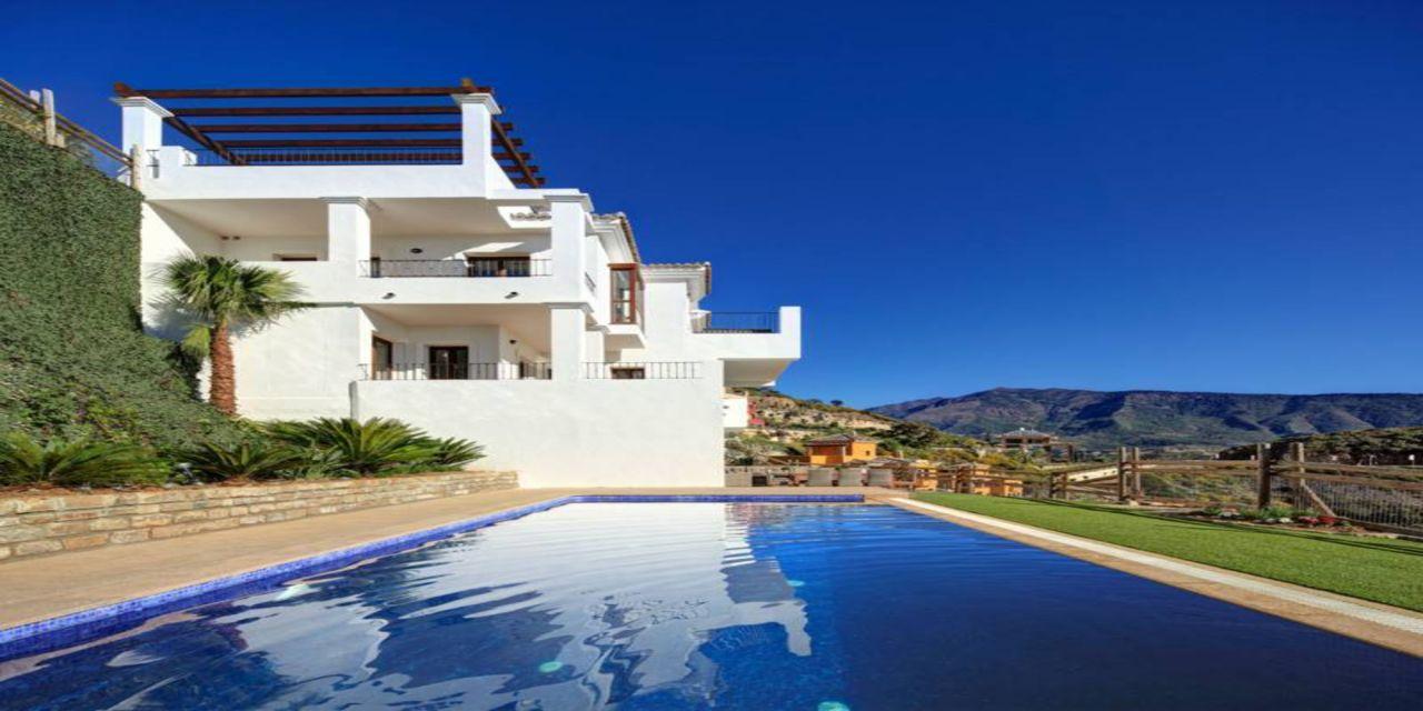 Вилла в Эстепоне, Испания, 552 м2 - фото 1