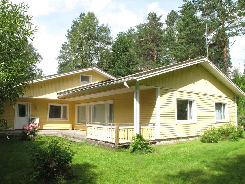 Дом в Юва, Финляндия, 1928 м2 - фото 1