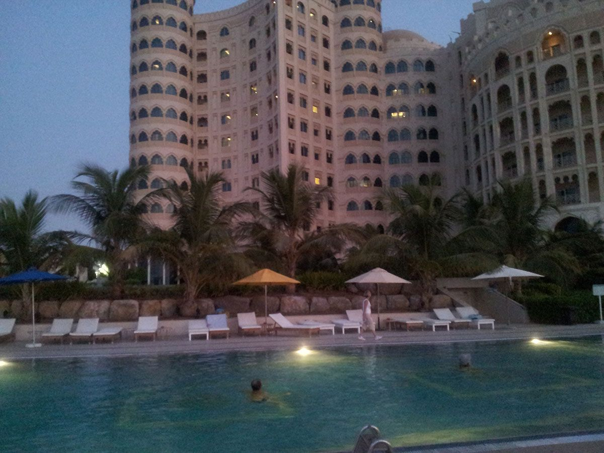 Отель, гостиница в Рас-эль-Хайме, ОАЭ, 69 м2 - фото 1