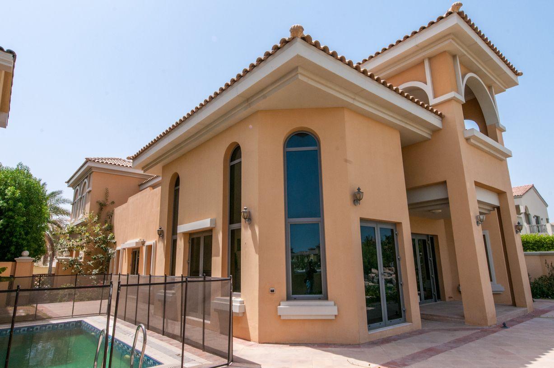 Вилла в Дубае, ОАЭ, 650 м2 - фото 1