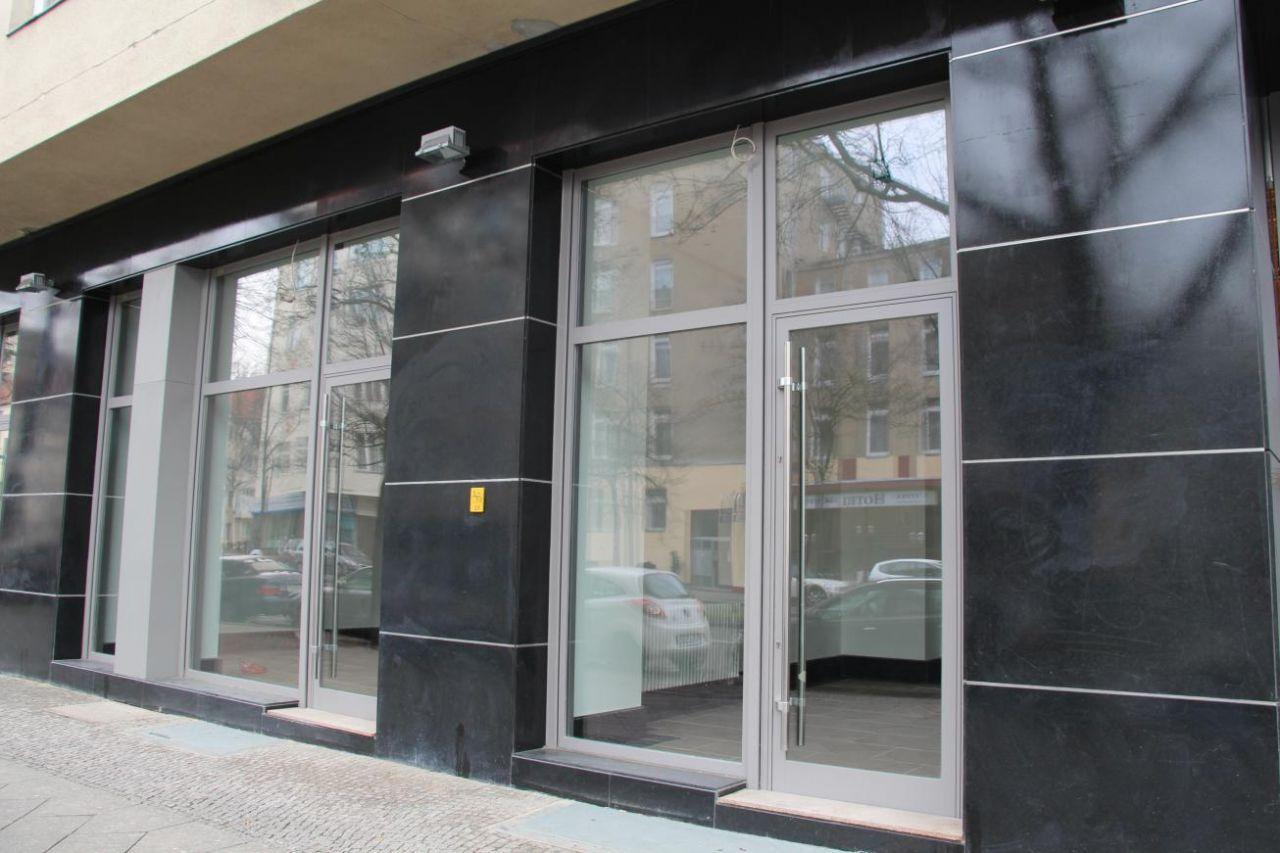 Магазин в Берлине, Германия, 93 м2 - фото 1