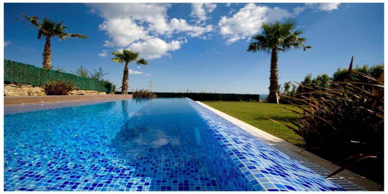 Вилла в Бенальмадене, Испания, 364 м2 - фото 1
