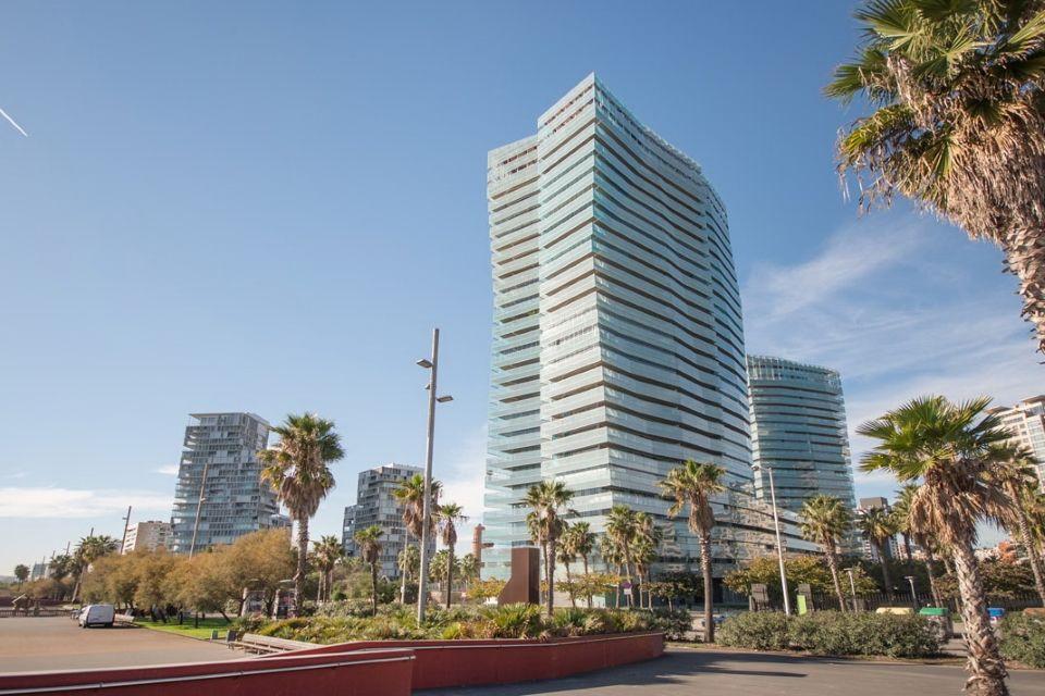 Отель, гостиница в Барселоне, Испания, 4736 м2 - фото 1