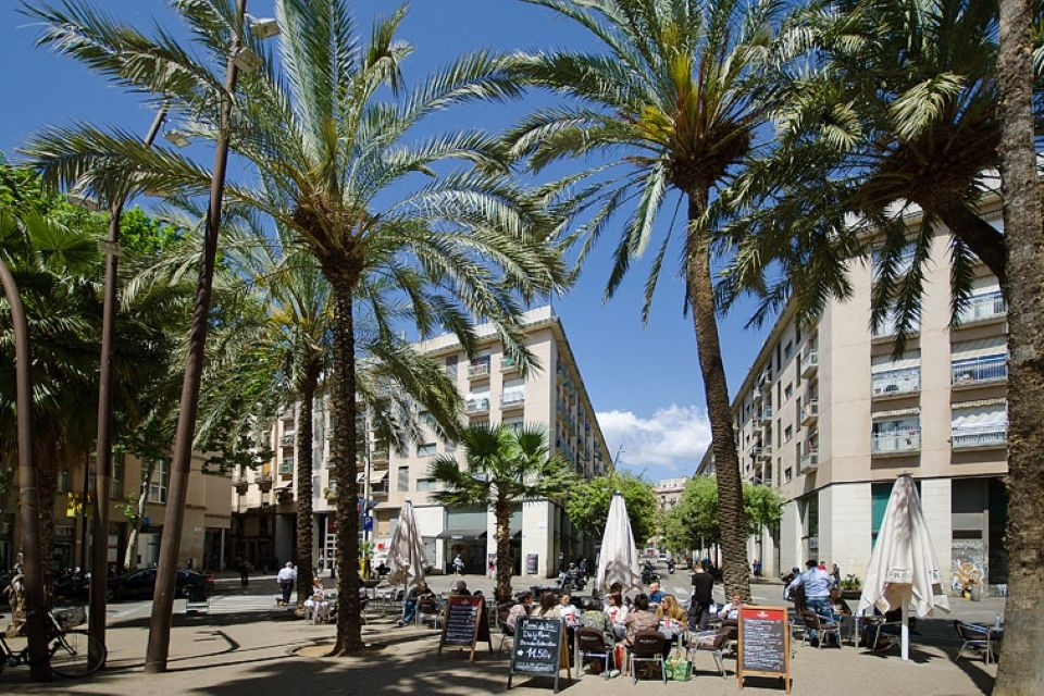Отель, гостиница в Барселоне, Испания, 897 м2 - фото 1
