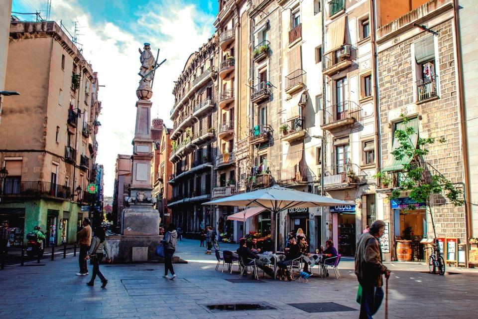 Кафе, ресторан в Барселоне, Испания, 658 м2 - фото 1