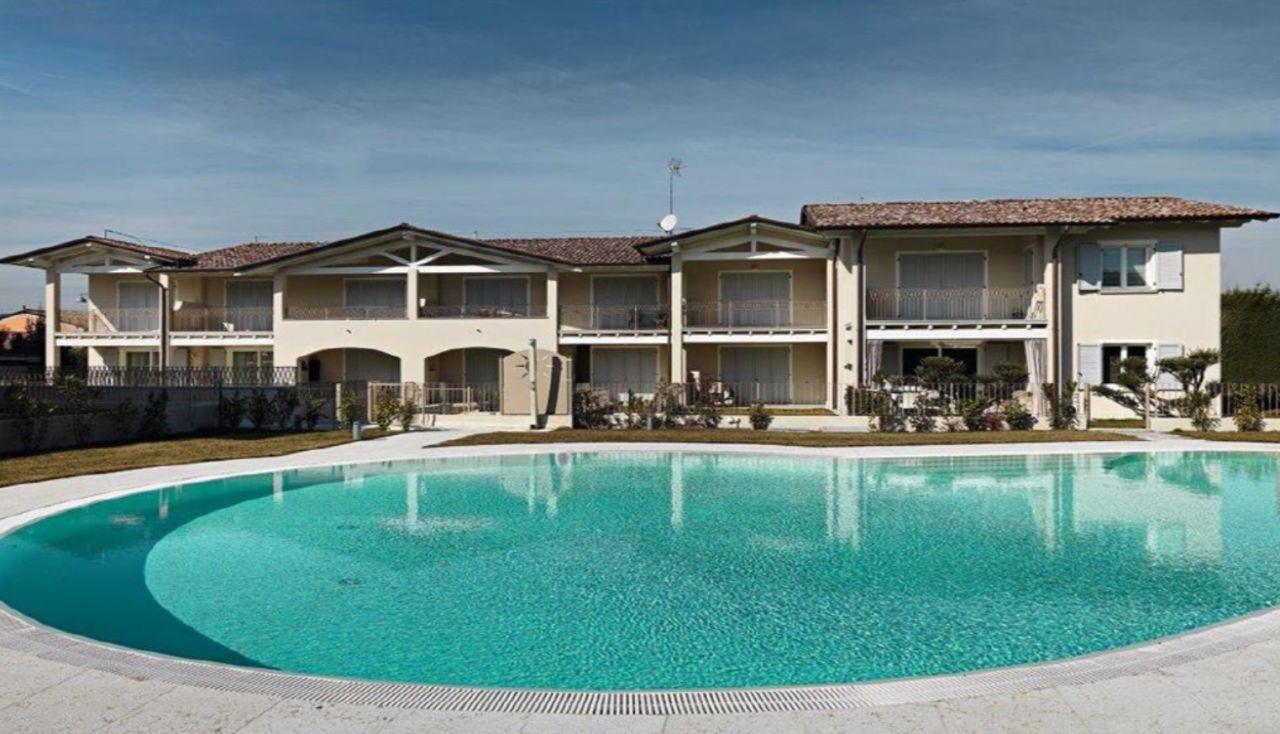 Квартира у озера Гарда, Италия, 106 м2 - фото 1