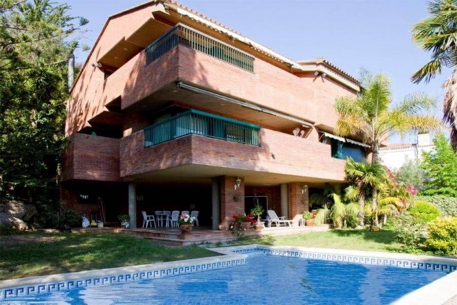 Вилла на Коста-Дорада, Испания, 550 м2 - фото 1