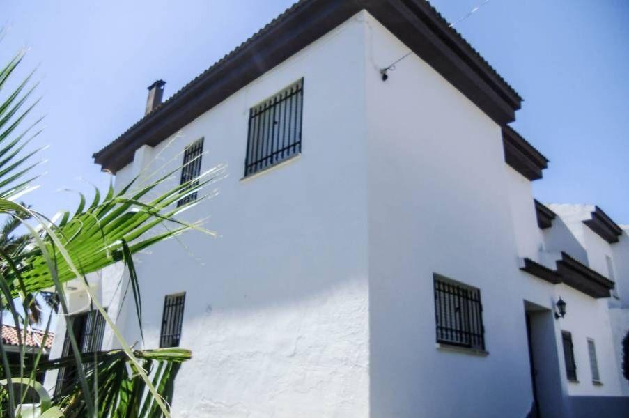 Вилла Коста Дорада, Испания, 456 м2 - фото 1