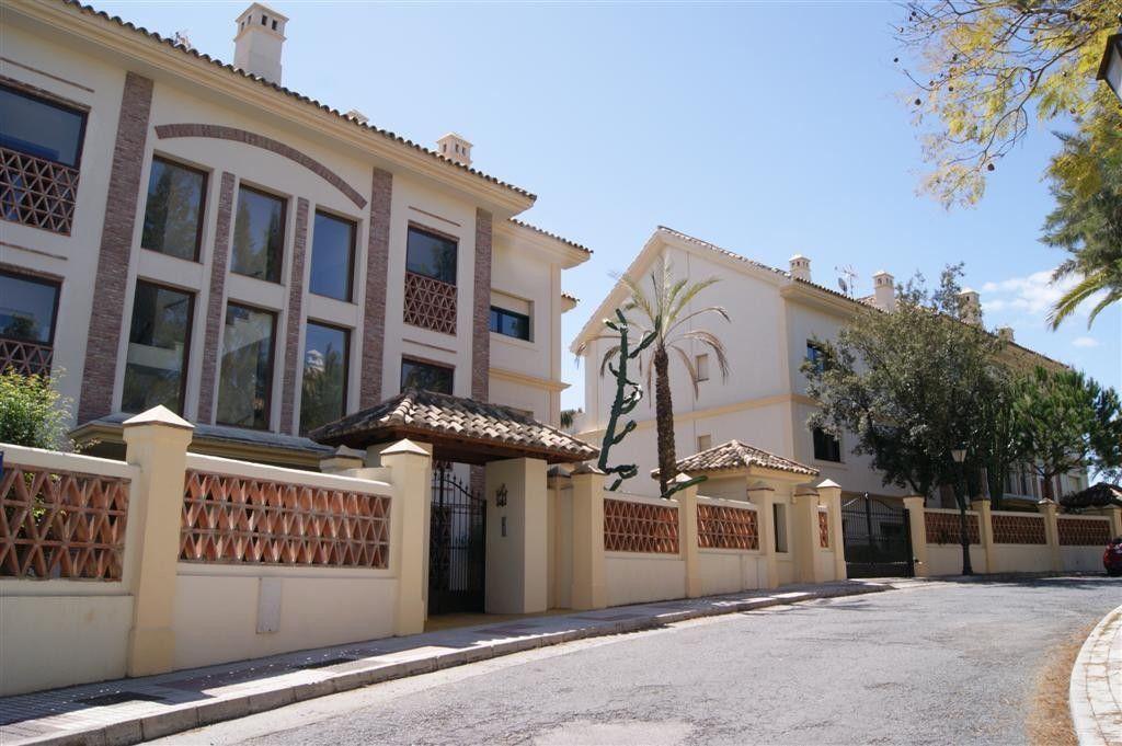Квартира в Марбелье, Испания, 240 м2 - фото 1