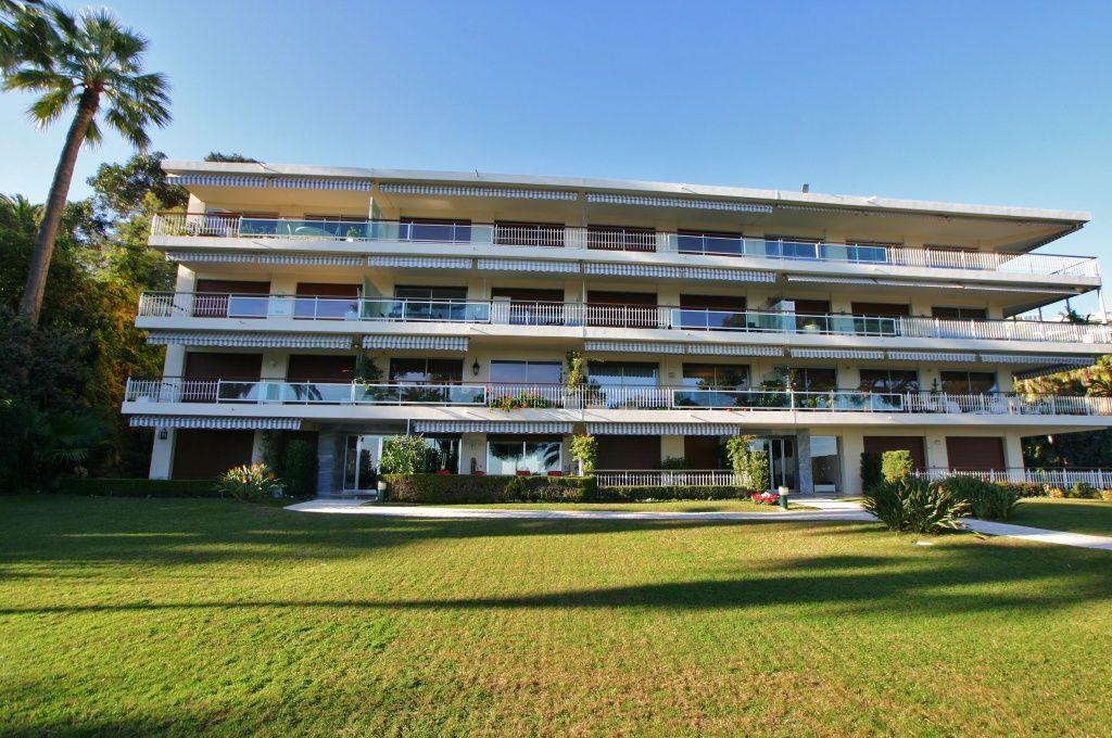 Квартира в Гольф-Жуан, Франция, 90 м2 - фото 1