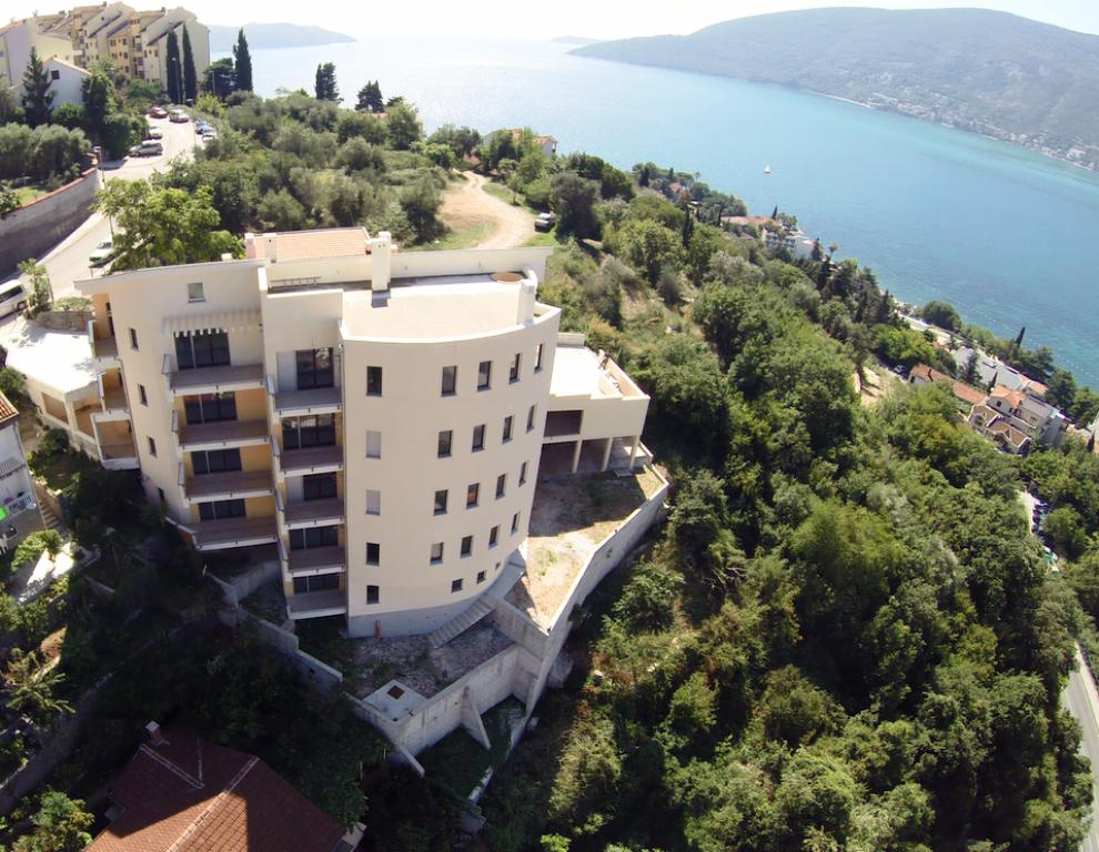 Квартира в Херцеге Нови, Черногория, 55 м2 - фото 1