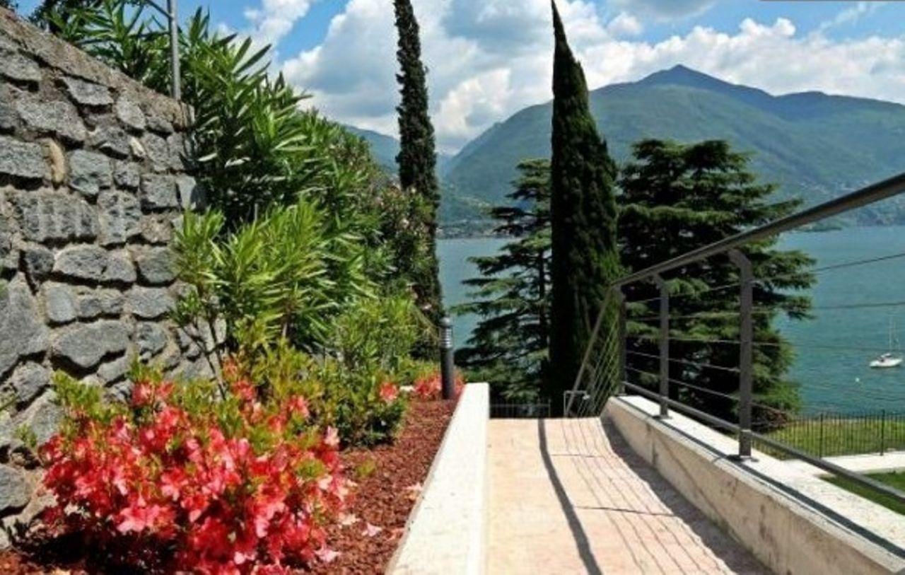 Апартаменты у озера Комо, Италия, 70 м2 - фото 1