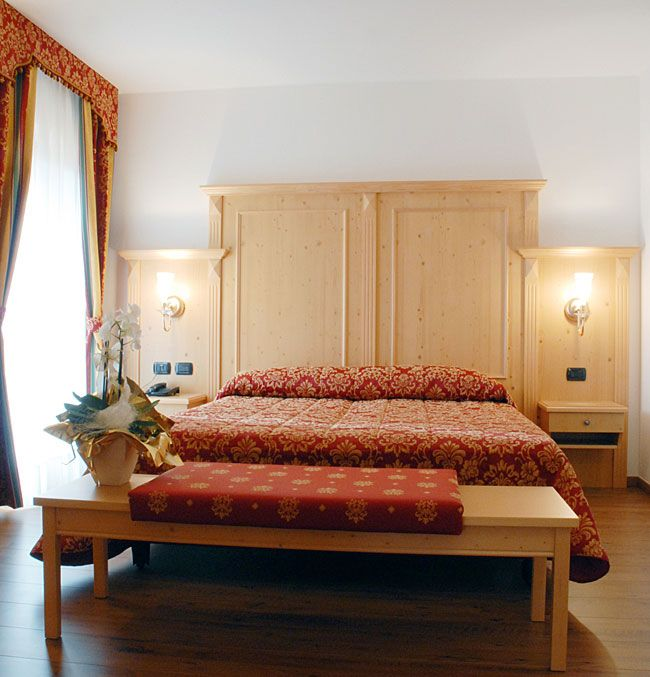 Отель, гостиница Венеция-Триест, Италия, 970 м2 - фото 1