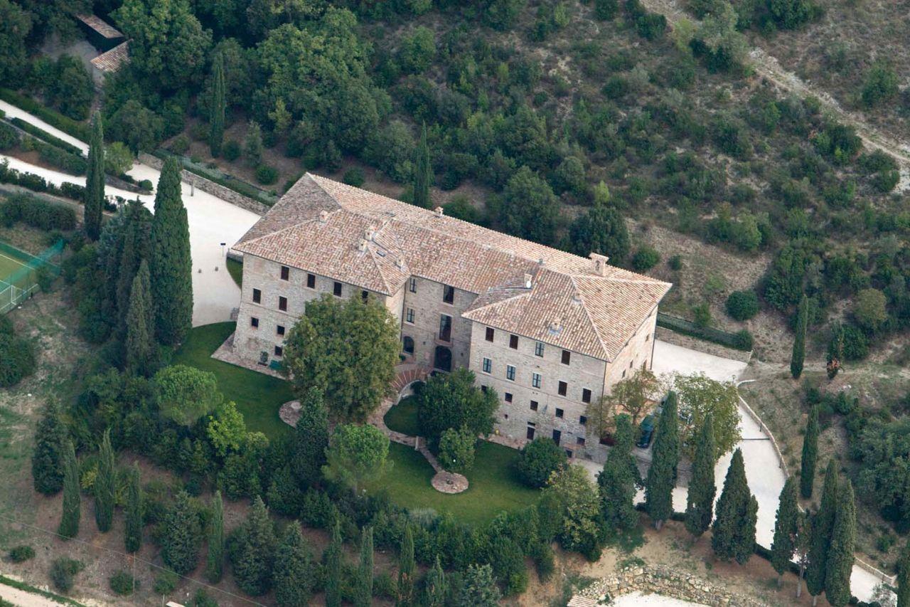Особняк в Перудже, Италия, 1800 м2 - фото 1