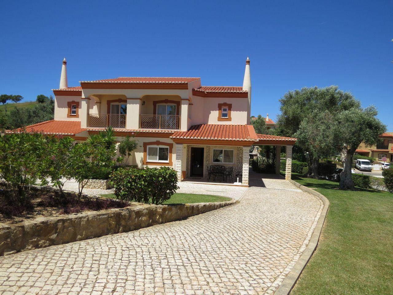 Вилла в Лагуше, Португалия, 156 м2 - фото 1