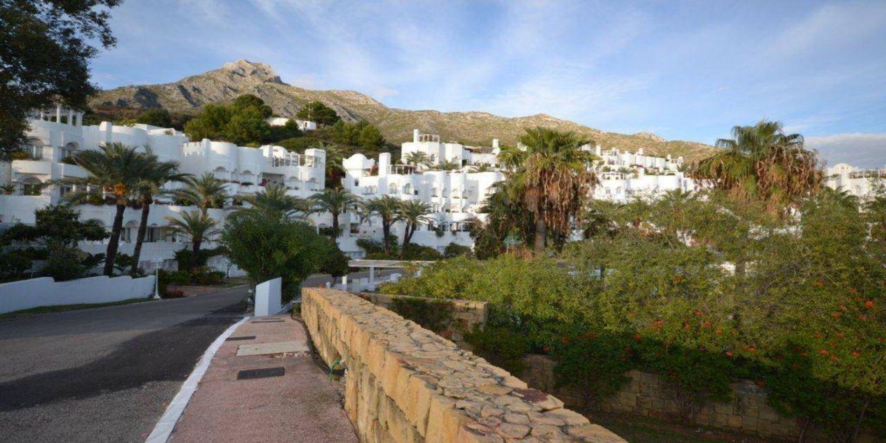 Апартаменты в Эстепоне, Испания, 180 м2 - фото 1